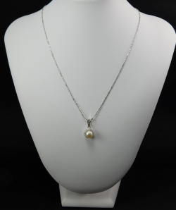 Necklace and pendant White Gold 18 Ct 750 ! Gr. 3,49 Pearl salt water